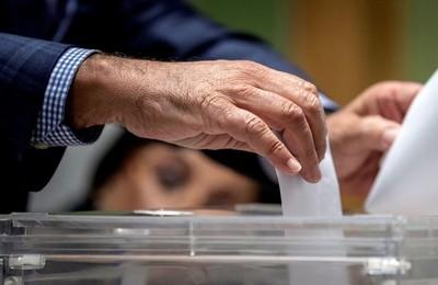 /media/noticias/fotos/pr/2021/05/03/63258-pozueleros-convocados-a-las-urnas-para-las-elecciones-de-manana-martes_thumb.jpg