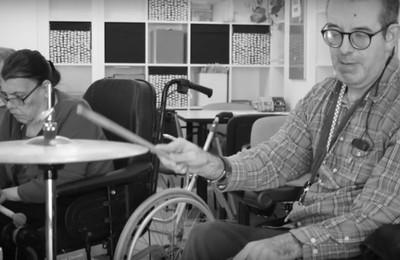 https://pozueloin.es/media/noticias/fotos/pr/2021/08/02/fundacion-gil-gayarre-desarrollando-capacidades-el-valor-terapeutico-de-la-musica_thumb.jpg