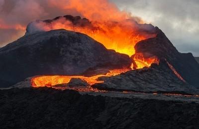 /media/noticias/fotos/pr/2021/09/21/hay-volcanes-muy-cerca-de-pozuelo_thumb.jpg